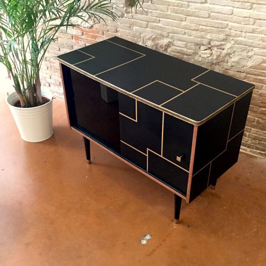 meuble d 39 appoint 50 39 s pinterest tablette en verre niche et portes coulissantes. Black Bedroom Furniture Sets. Home Design Ideas