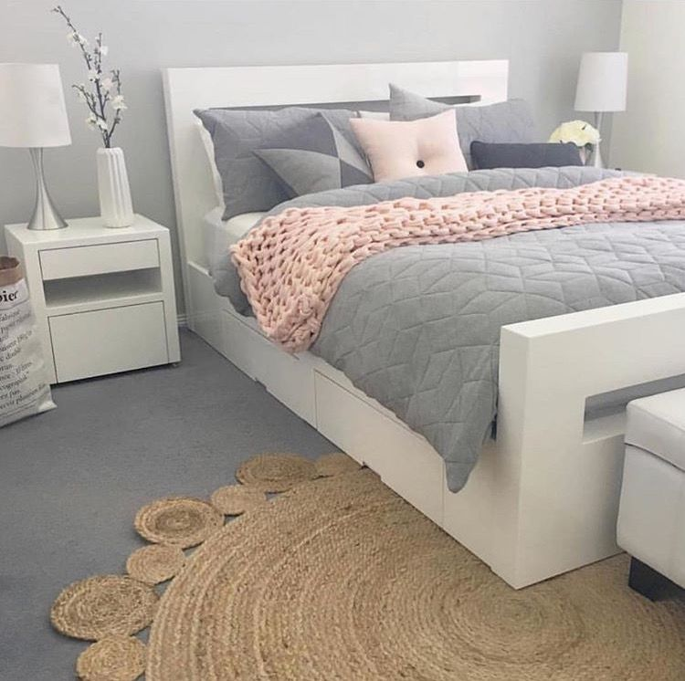 Grey and pink bed | For the Home | Pinterest | Schlafzimmer ...