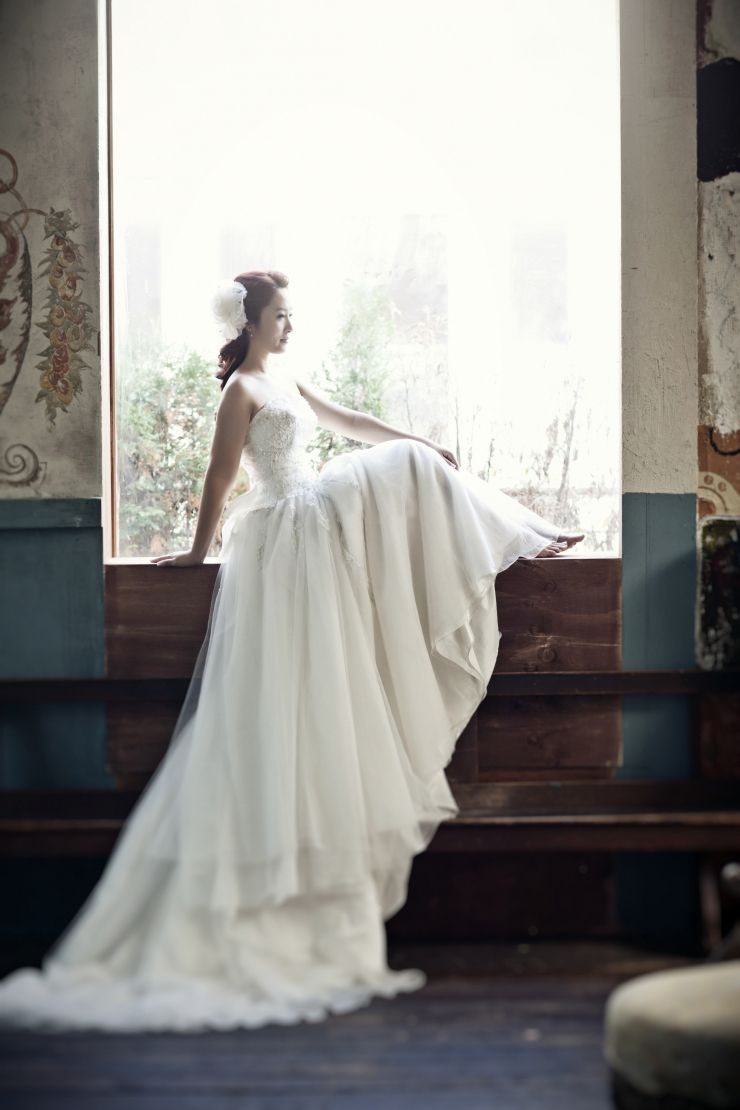 Cheap korean wedding dress new arrival white beaded lace top