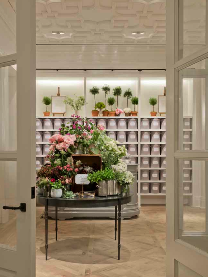 Cmc Club Monaco With Images Flower Shop Interiors Flower