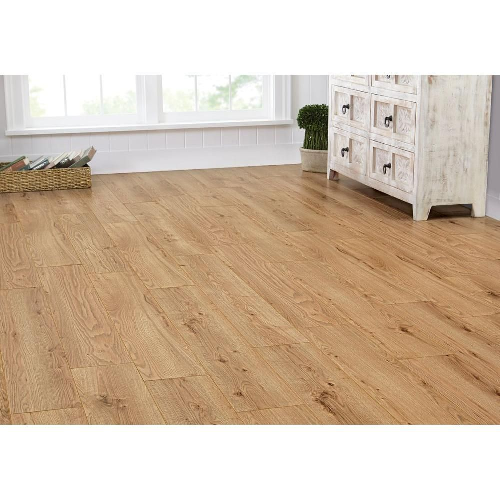 Home Decorators Collection Montego Oak 8 Mm Thick X 7 2 3 In Wide 50 5 Length Laminate Flooring 21 48 Sq Ft Case 41393 The Depot