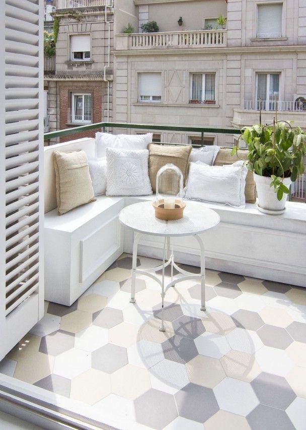 Espacio en blanco – Wohnung einrichten mit weiß und passenden Akzenten (Ahoipopoi) #wohnungbalkondekoration