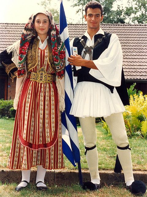 Costume Folklorique cultures of mediteranian europe | folk,traditional costumes,cultural