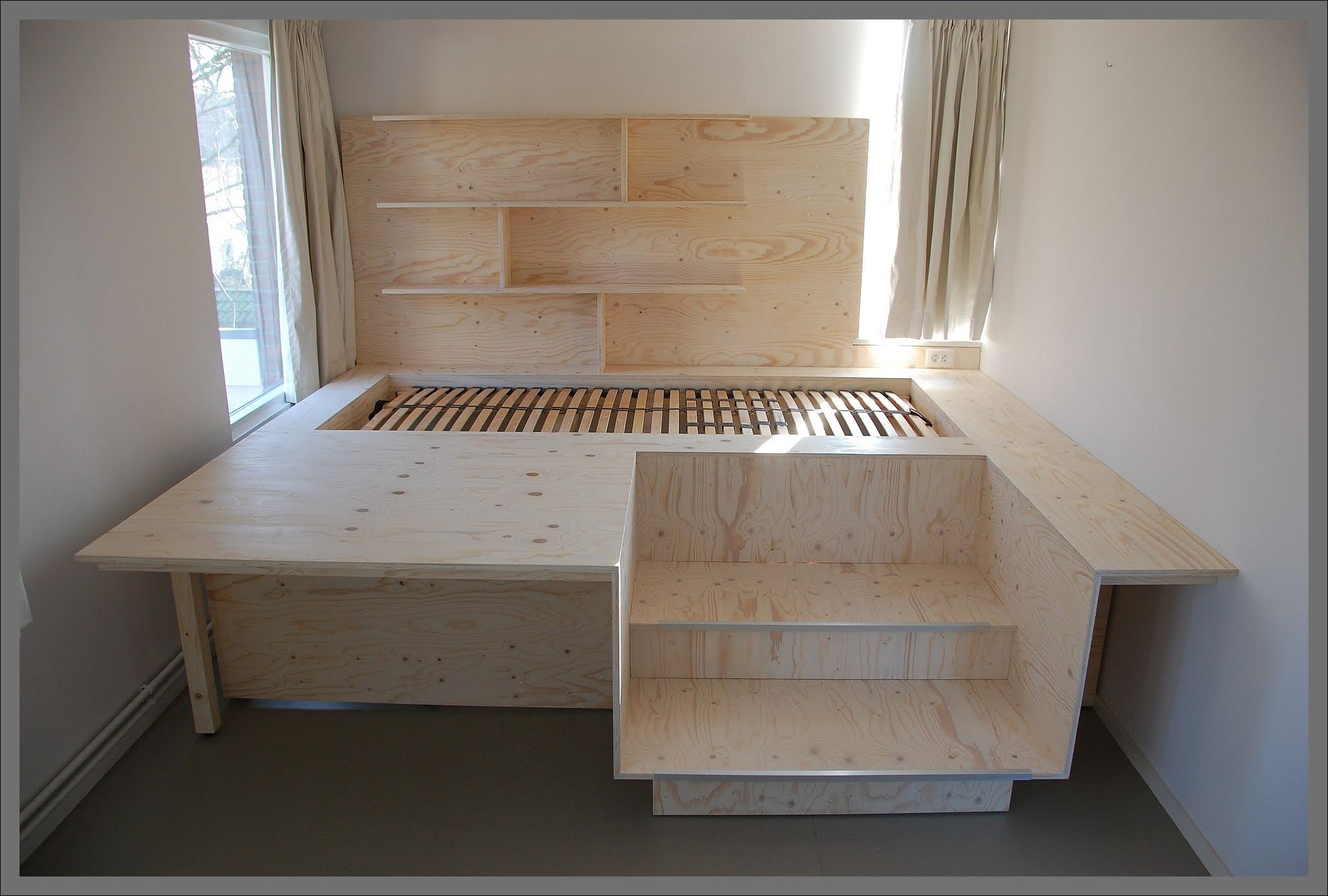 Bed Van Pellos Vuren Multiplex