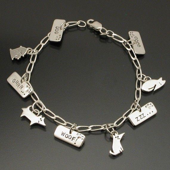 Guter Hund mit 9 Charms Bettelarmband von oneeyedcollie auf Etsy, $88.00
