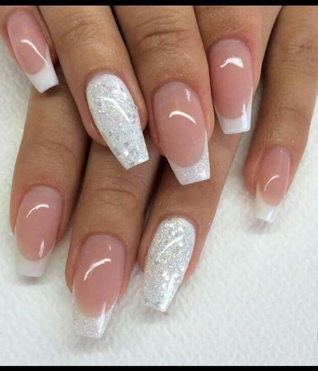 Cute Twist On French Tip Nails Frecnch Nails Silverglitternails White Tip Nails Gorgeous Nails New Year S Nails