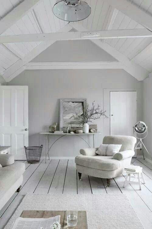 | white room |