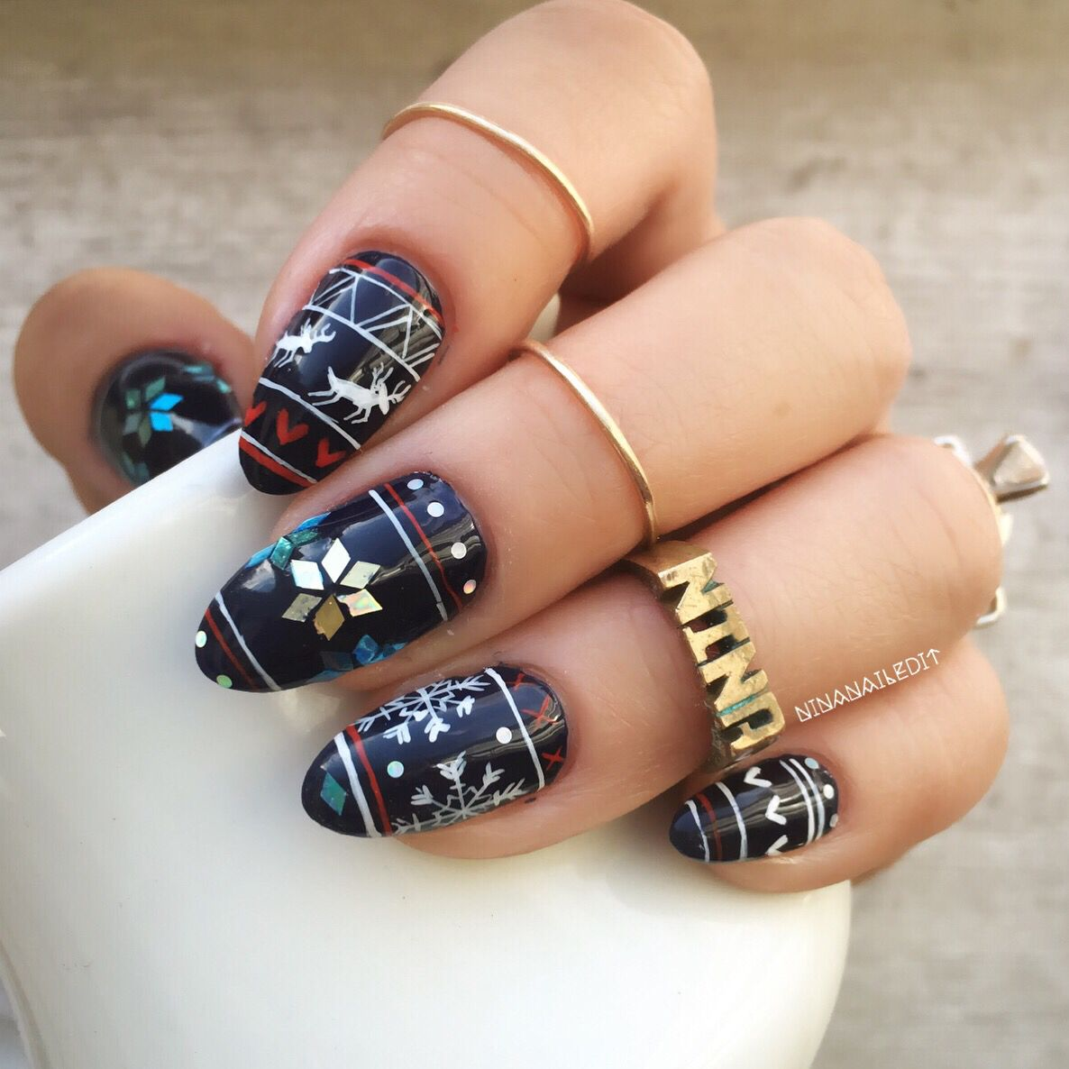 My fave astrowifey inspired fairisle nails Hers are perfection