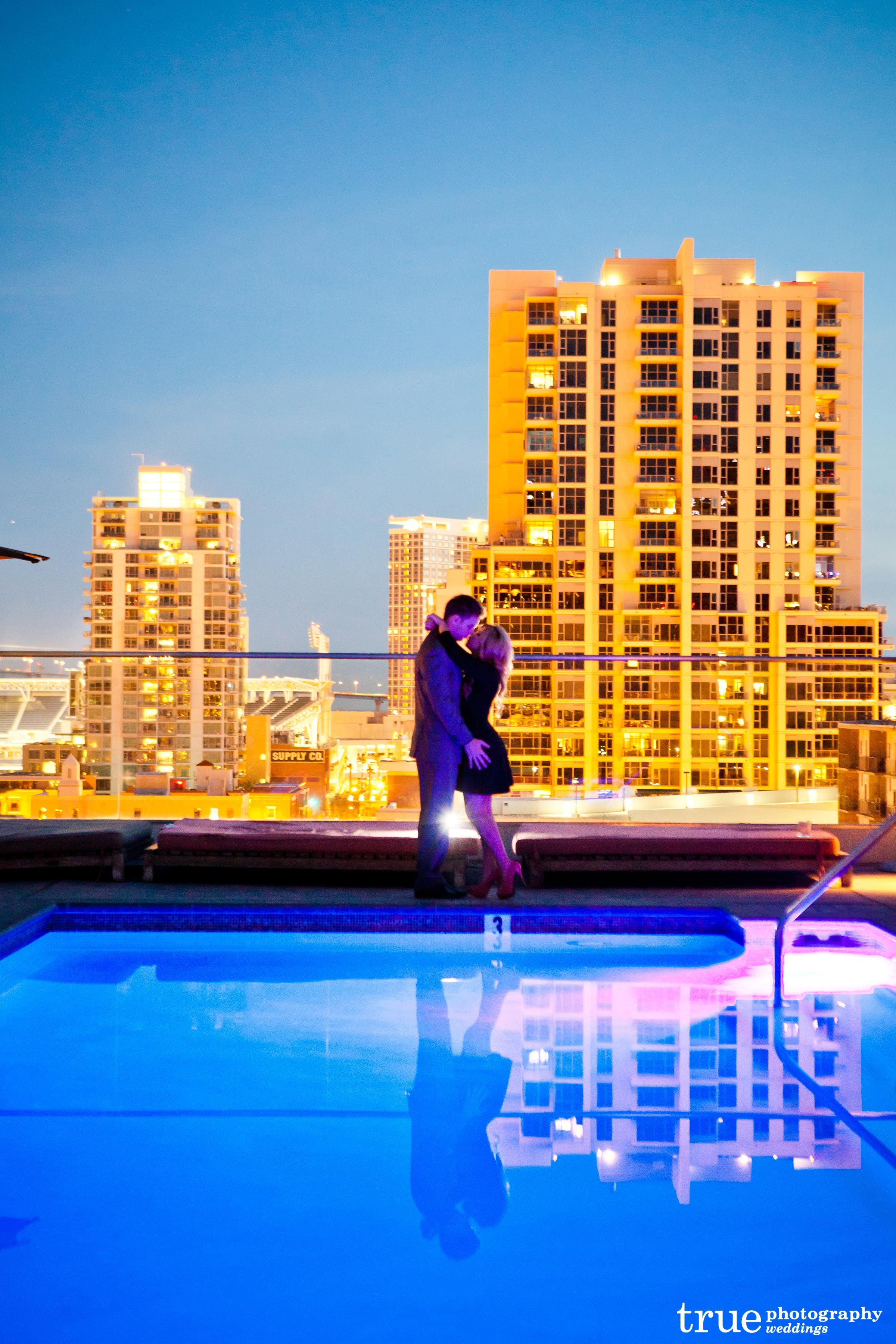 downtown-san-diego-engagement-photos-shoot-at-andaz-hotel
