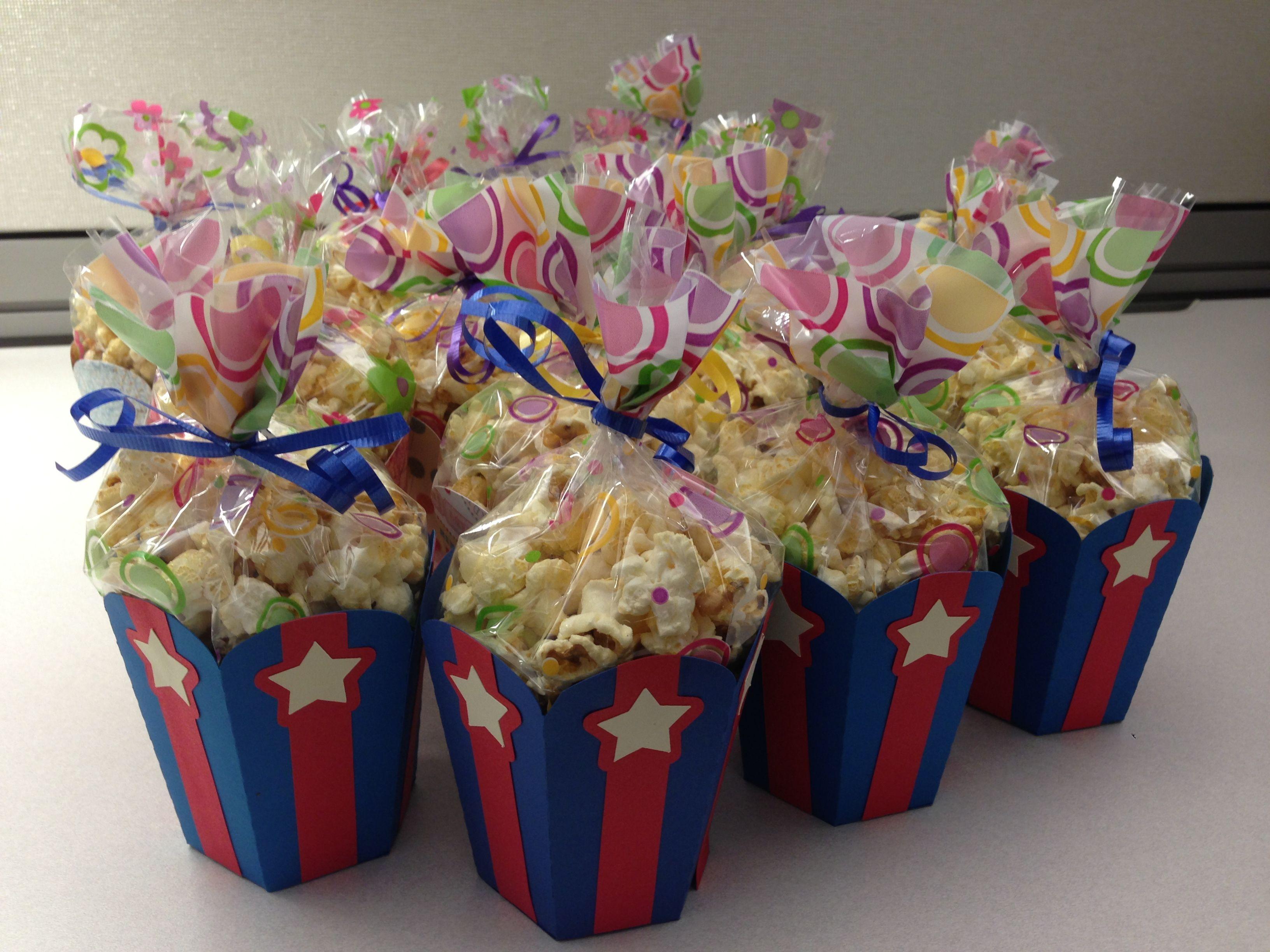 Patriotic popcorn cups