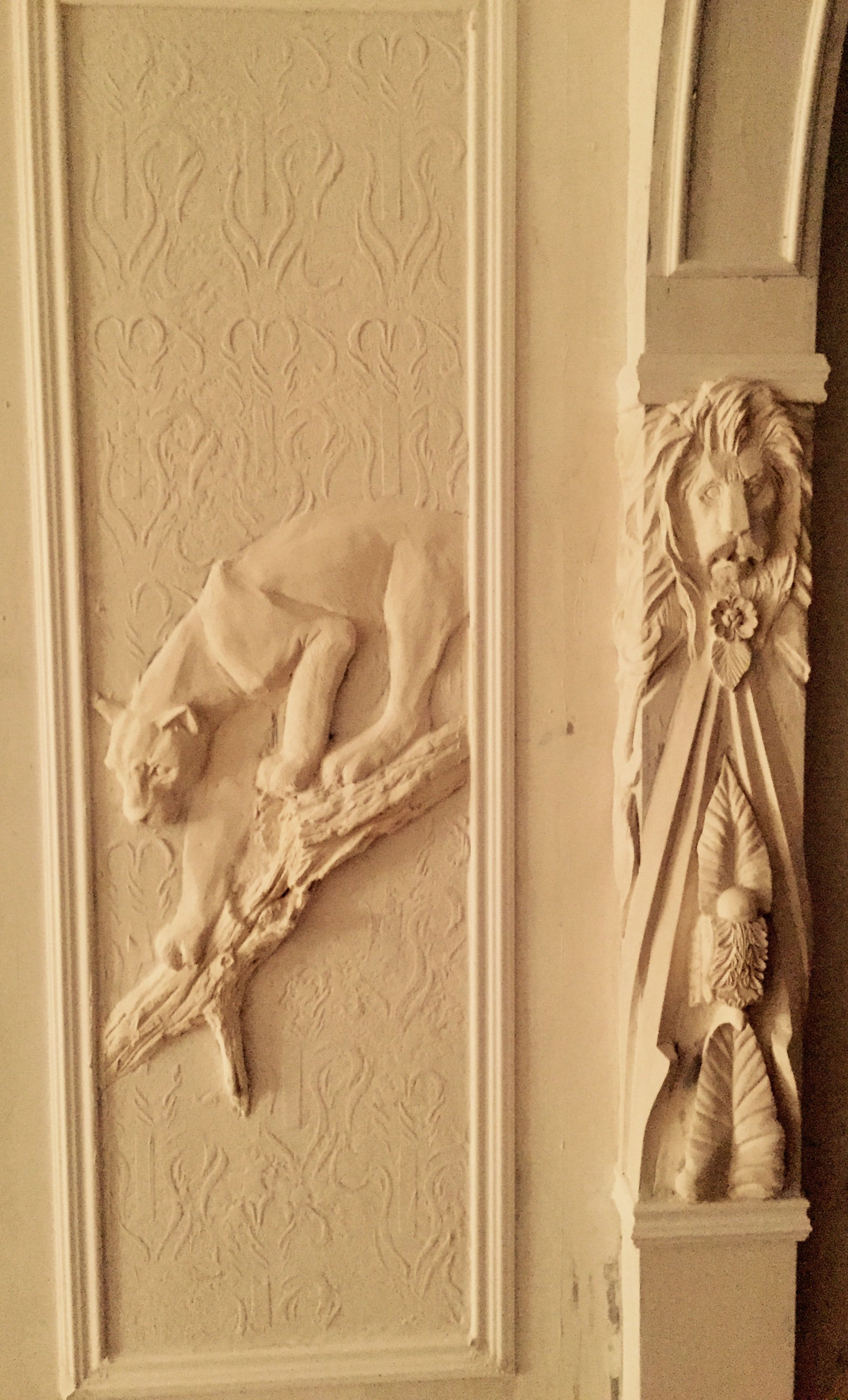 Pin by on pinterest drywall plaster art and 3d painting - Sculpture sur bois ...