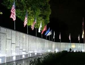 Pin By Sandy Granger On Places I Ve Been Vietnam Memorial Wall Vietnam Memorial Washington Dc Travel