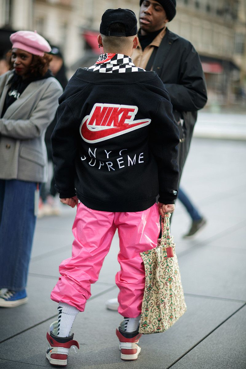 fb4cc4c47c27 Photographer Eva Al Desnudo shoots attendees outside Virgil Abloh s OFF- WHITE s FW18 show in Paris. See what they wore here.