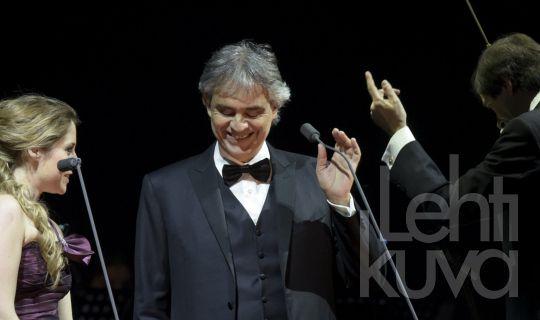 Viihdekuvat | Andrea Bocelli konsertoi Helsingissä | Lehtikuva | lehtikuva.fi