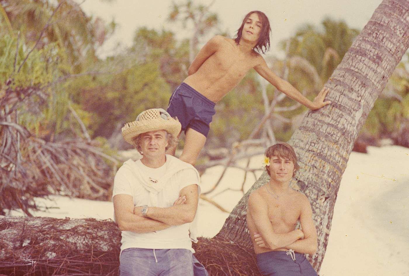 Dating Man in Tahiti