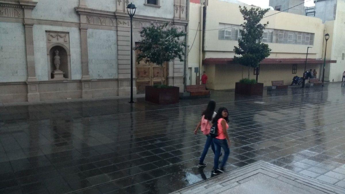 <p>Chihuahua, Chih.- Ante las lluvias que se registran en la ciudad el Municipio de Chihuahua abrió albergues uno al norte y otro al sur de la ciudad.</p>  <p>El