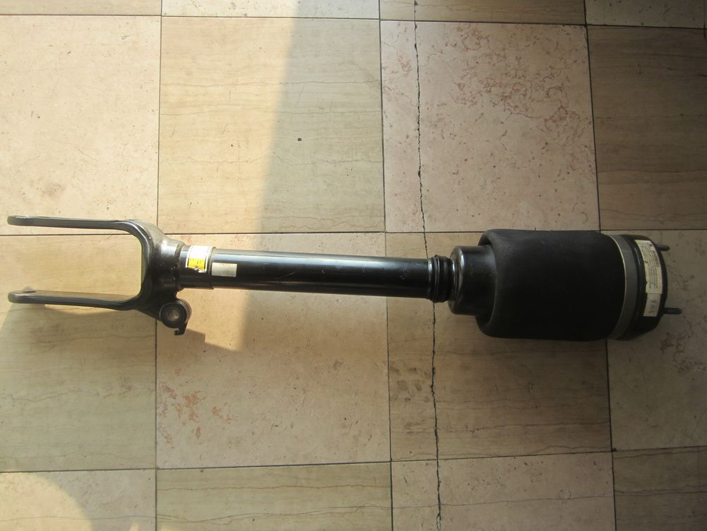 2010 2011 Mercedes Benz With 164 Body Ml450 Gl350 Gl450 Gl550 Front Suspension Strut Airmatic Shock Oem 164 320 6113 Plea Mercedes Benz Benz Used Car Parts