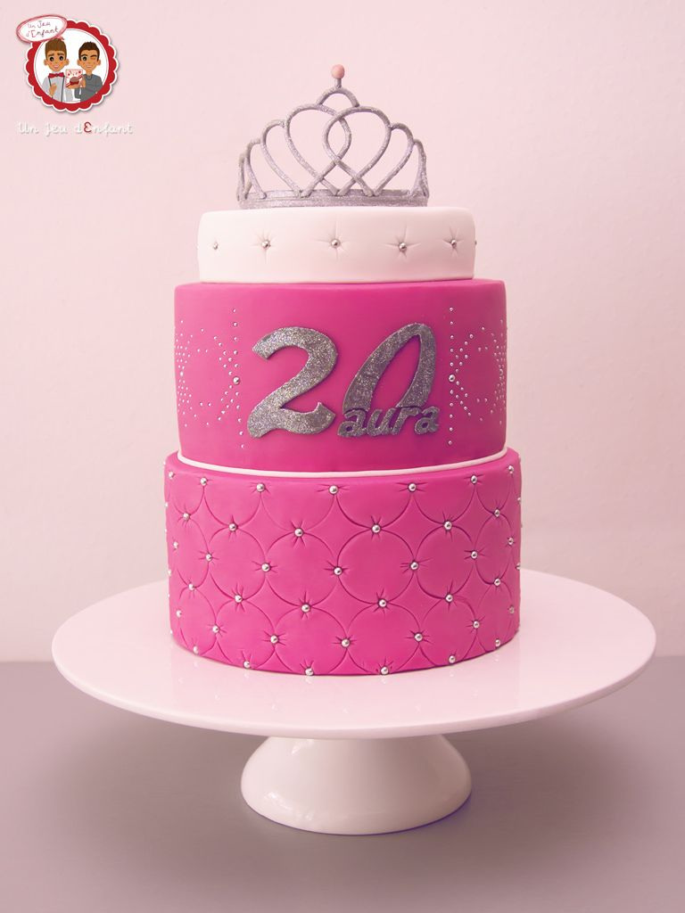 Gâteau Diadème Princesse , Princess Silver Pink Crown Cake , Un Jeu  d\u0027Enfant Cake Design Nantes France