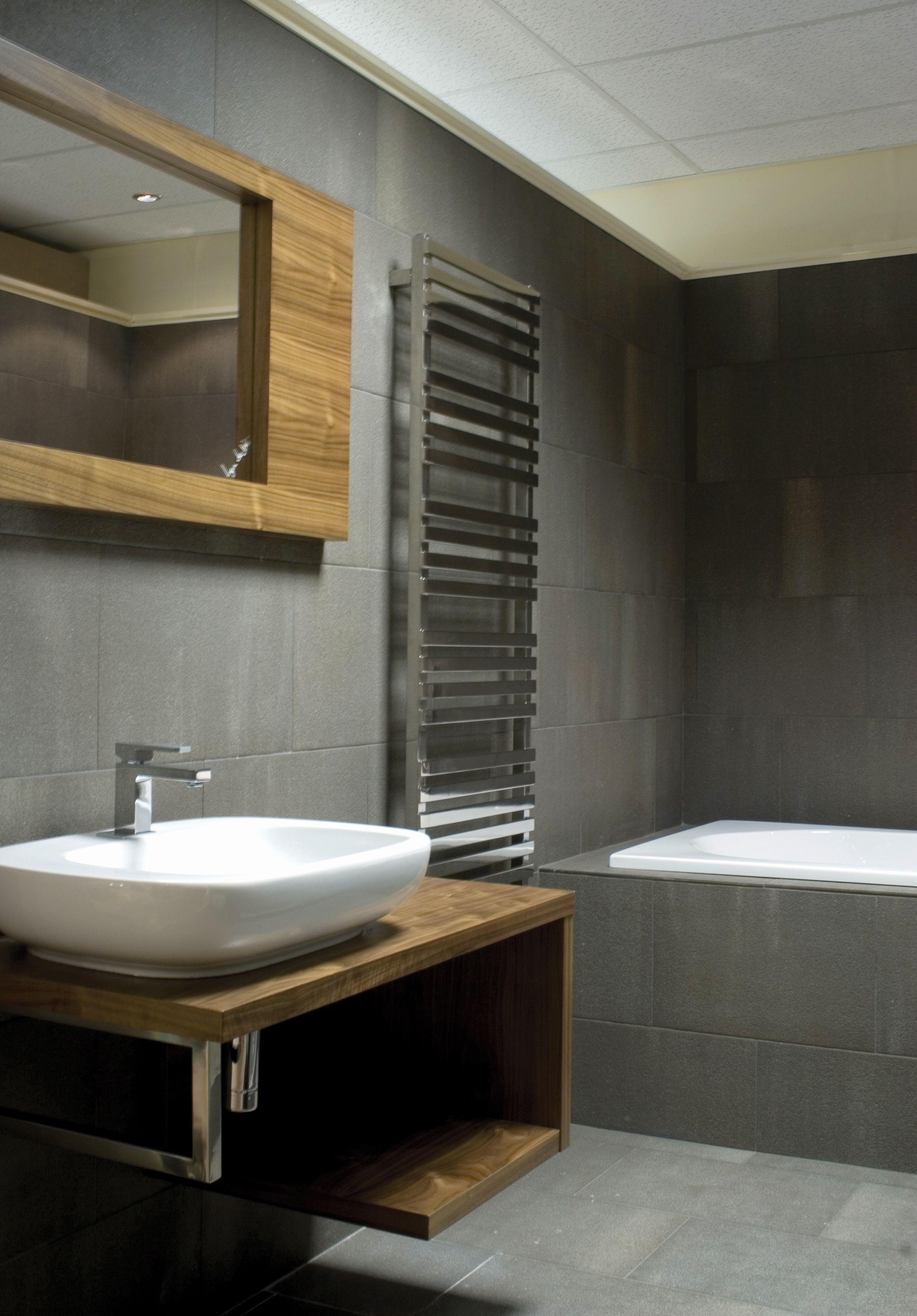Stainless steel Kubik Mini towel warmer