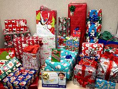 Inexpensive Christmas Gift Ideas for Your Employees | Ideas for the ...