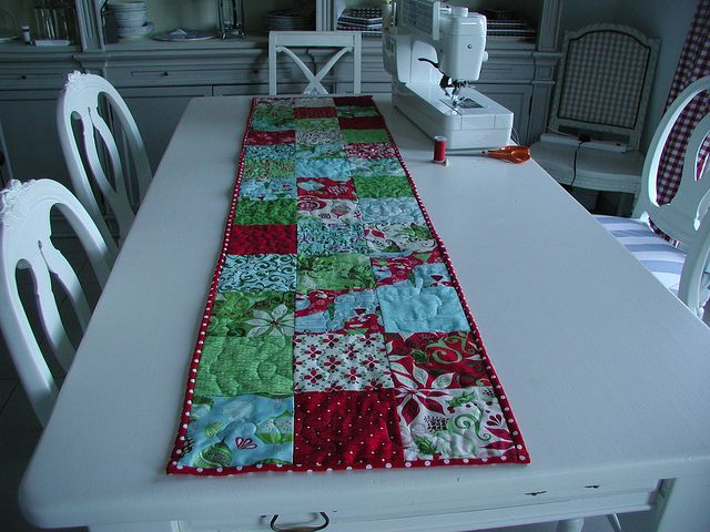 12 Days Of Christmas Runner Tutorial Christmas Runner Quilted Table Runners Patterns Christmas Quilts