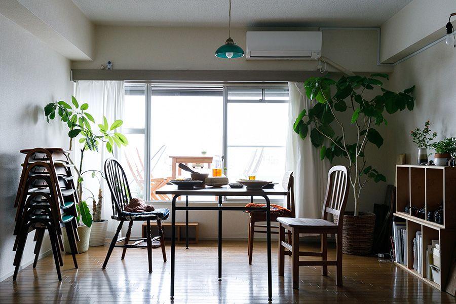 仕事も仲間も包み込む料理家が暮らす 食と宴と眺望を楽しむ部屋 家