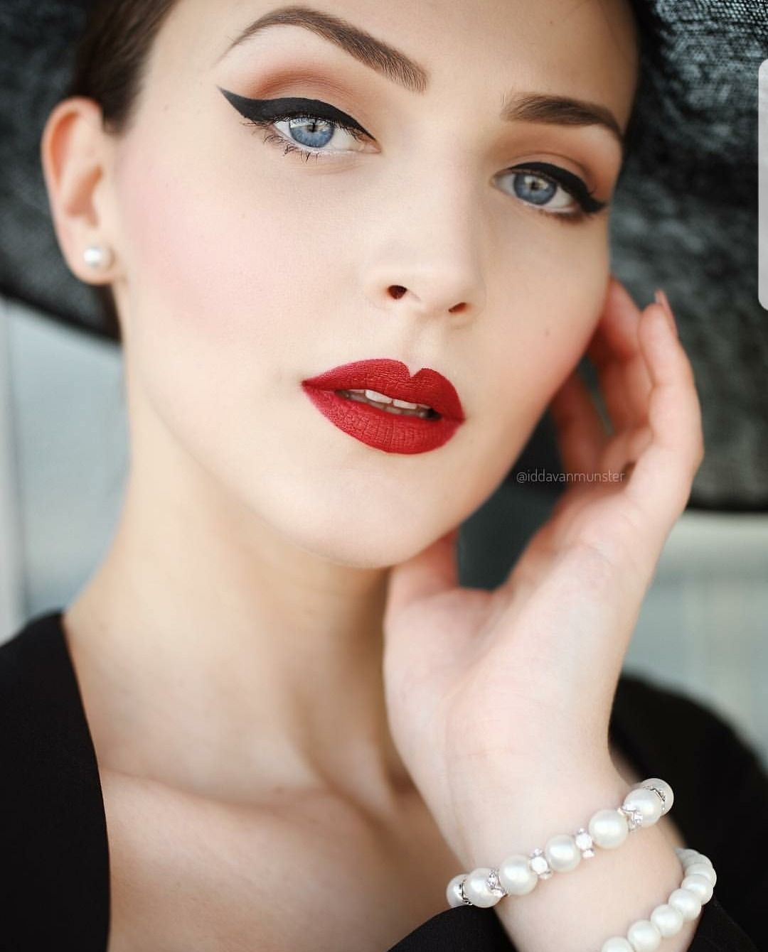 The Glamourous Life Vintage Makeup Looks Glamour Makeup Retro