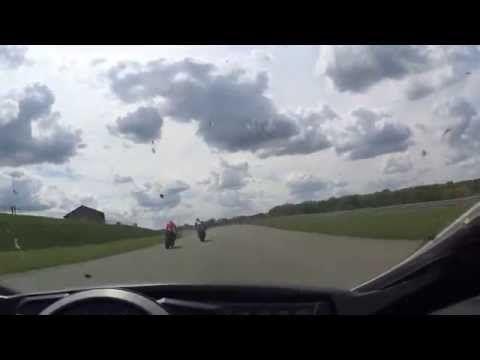 Tomando uma moto na cara