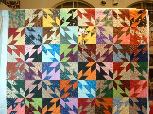 I love this colorful, scrappy Hunter's Star! | Quilt Inspiration ... : hunter star quilt pattern - Adamdwight.com