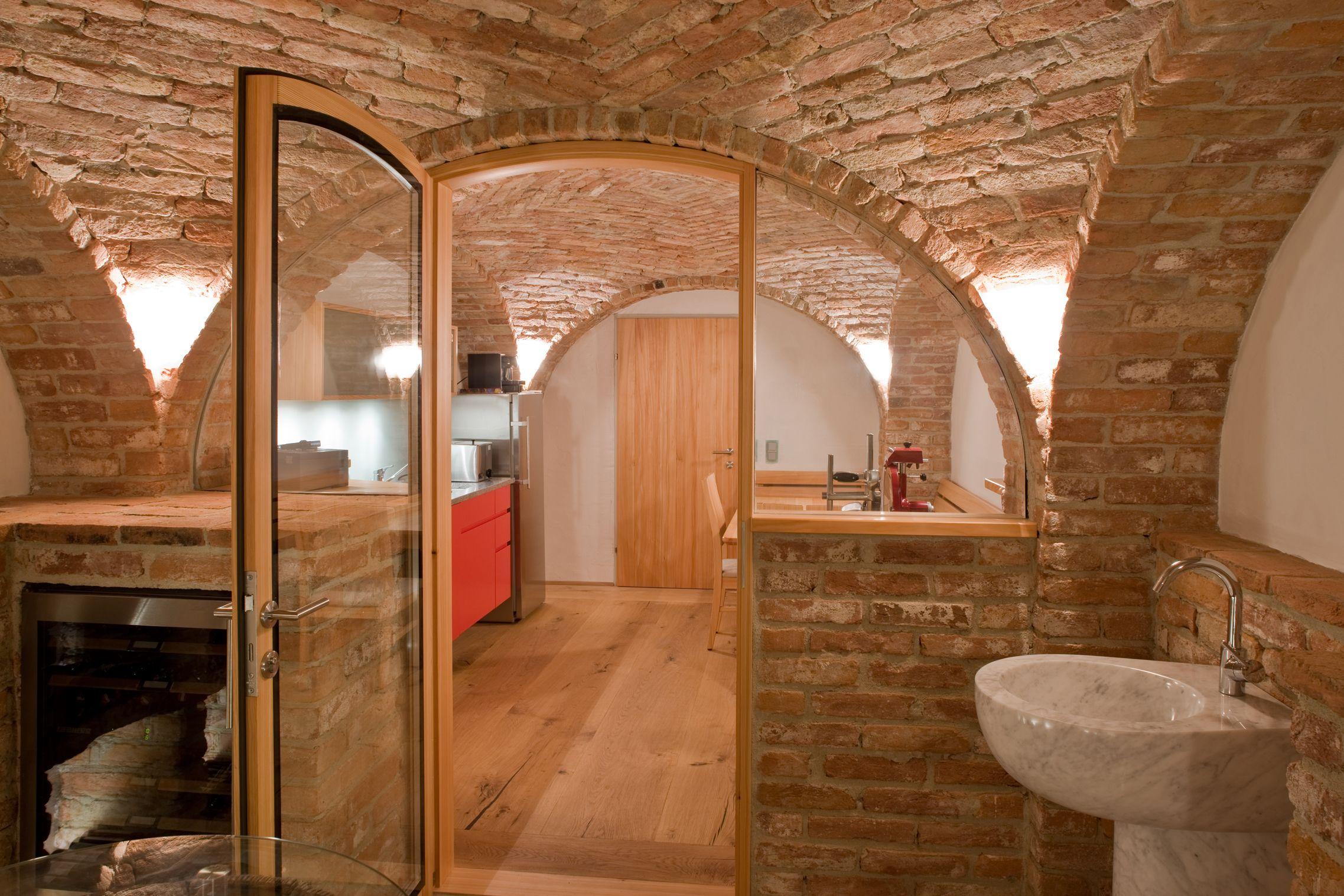 Privater Weinkeller Mit Angrenzendem Aufenthaltsraum Oderhangout Roomwine Cellars
