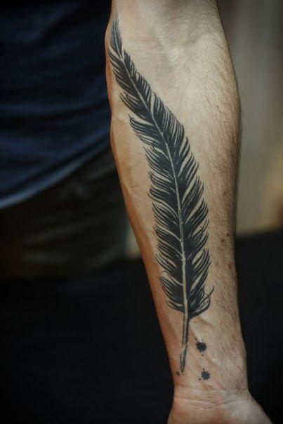 Feather And Ink Graphic Tattoo Idea Tatuajes De Plumas Tatuajes Plumas Tatoo