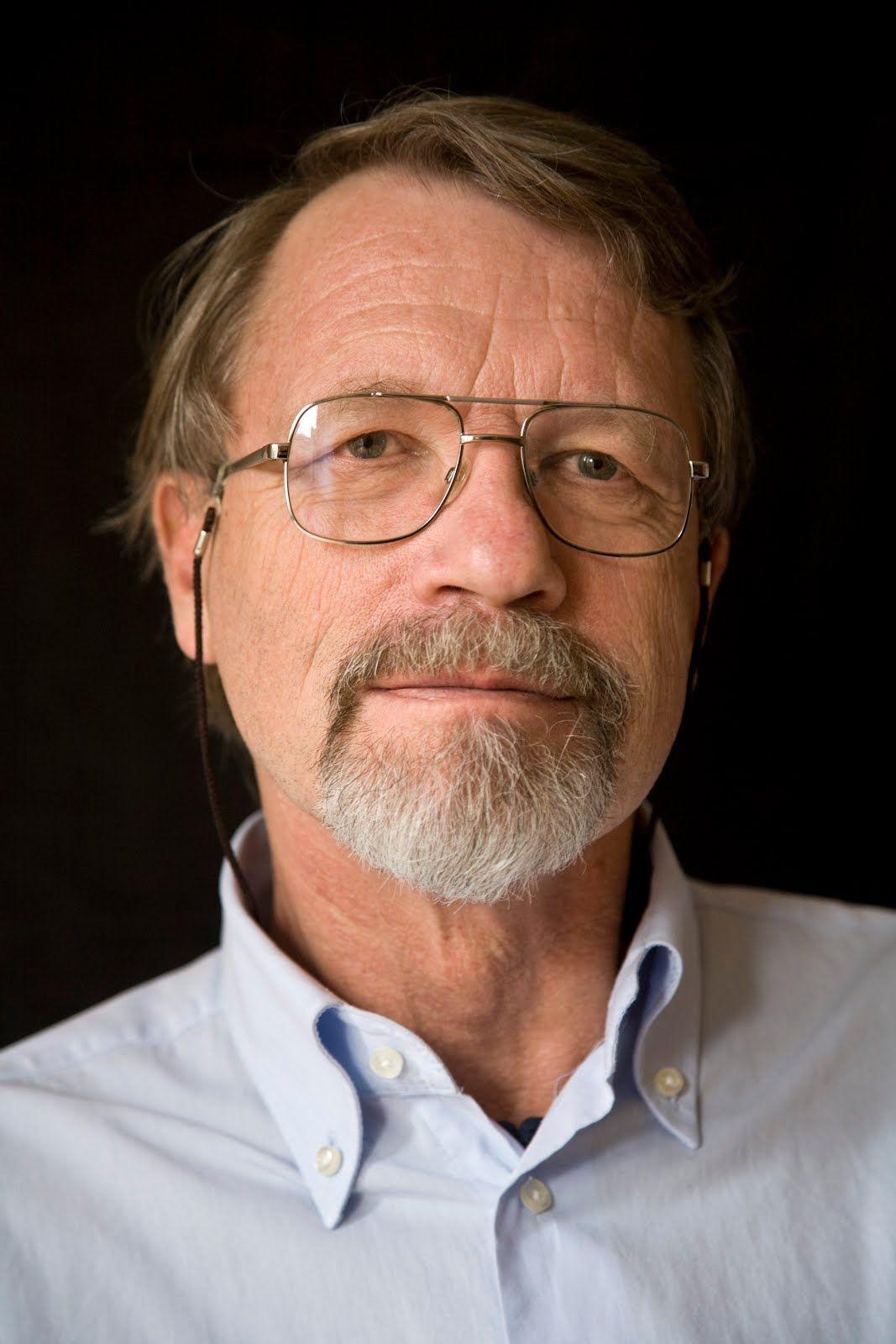 De Spanningsblog: Peter de Zwaan geeft voortan zelf uit (column, 2013)