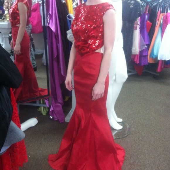 Red Prom Dress Size Small Red sequin..mermaid style Dresses Prom