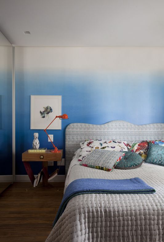 Best Bedroom Bliss With Our Calming Saraille Ombre Wallpaper 640 x 480
