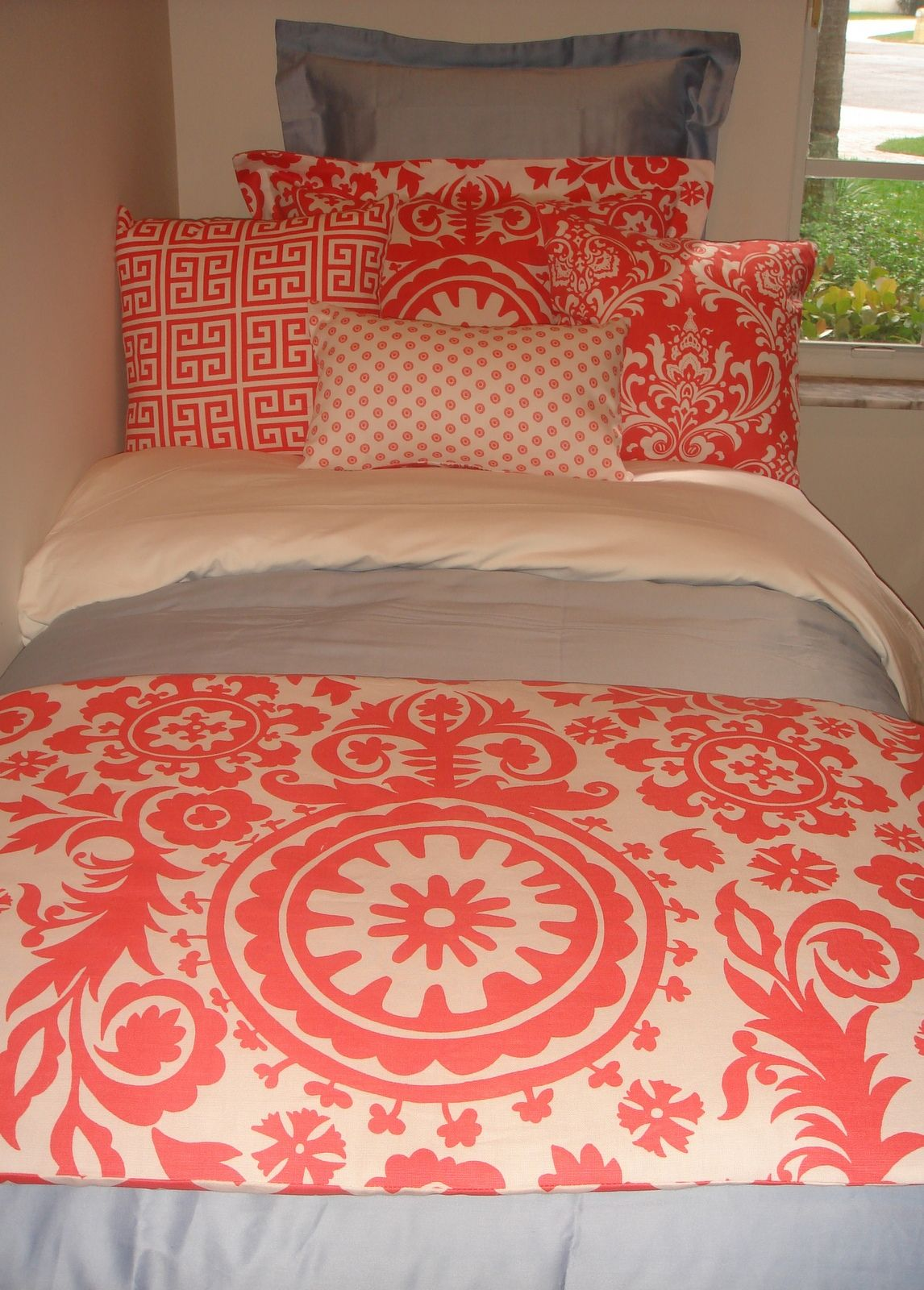 Preppy Gray Dorm Room Bedding | Dorm bedding sets, Dorm ...