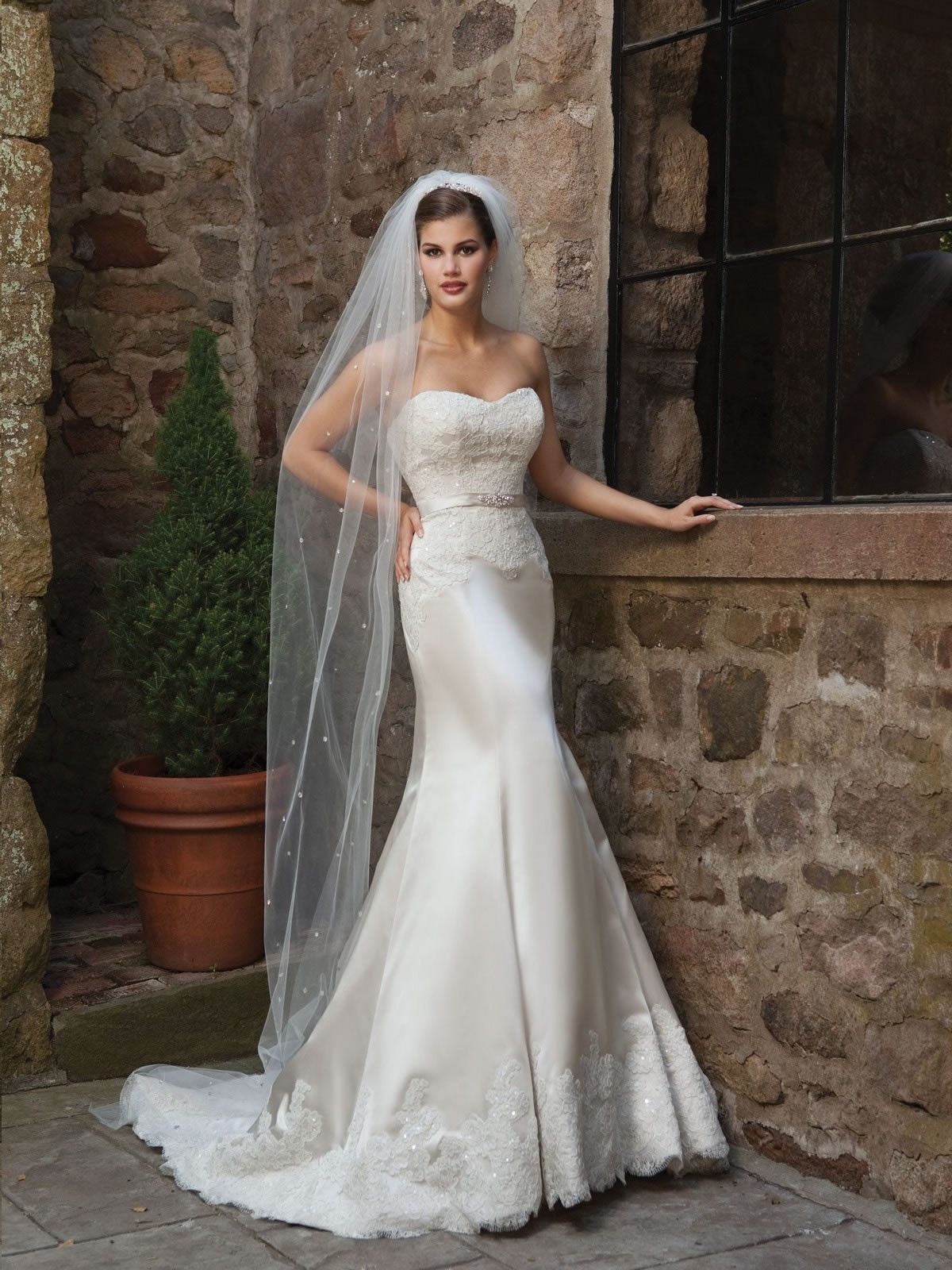 satin sweetheart mermaid wedding dress | Ideal Weddings | Bridal ...