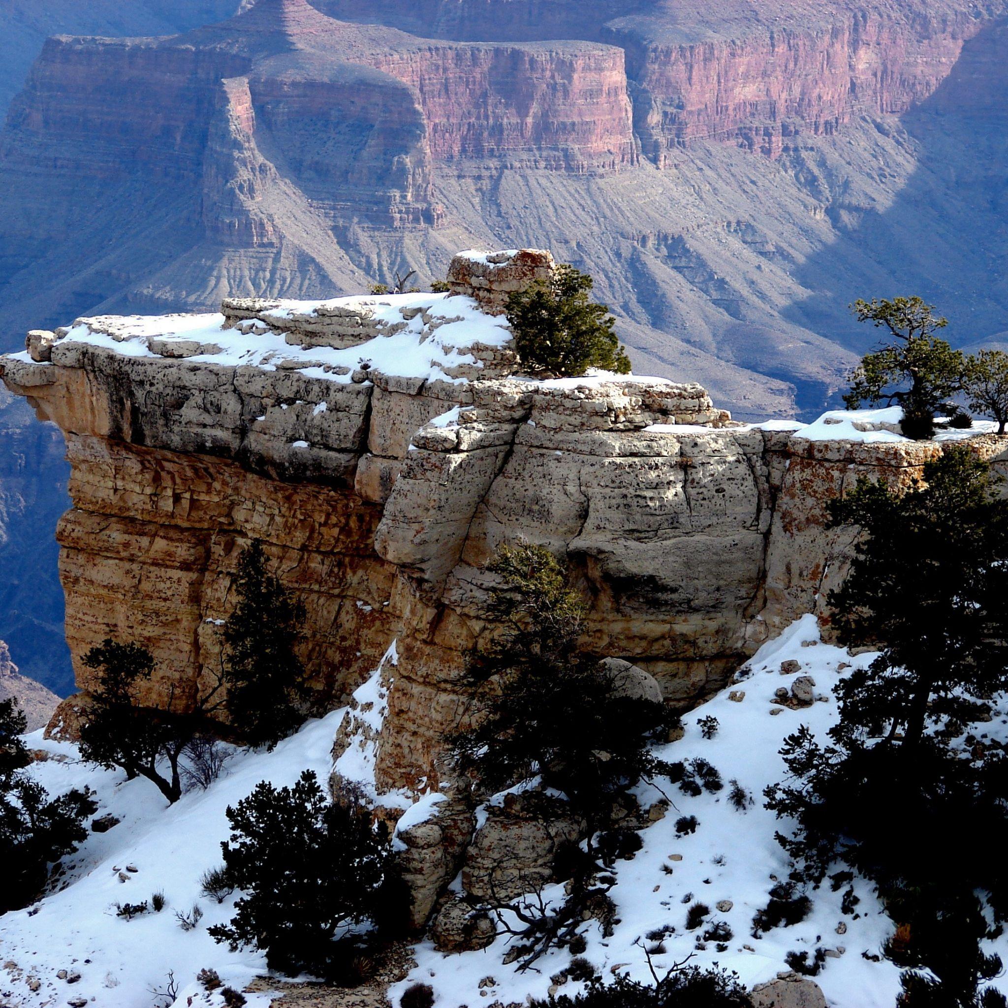 2048x2048 Papel de Parede montanhas, rochas, neve, árvores, paisagem