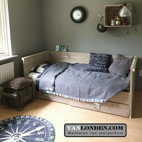 Bedbank met 2 laden van steigerhout bed - Kamer blauwe jongen grijs ...