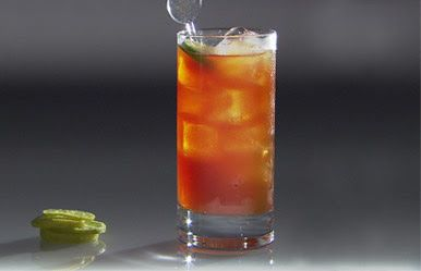 COCKTAILS PERUANOS * PERUVIAN DRINKS: CHILCANO DE GUINDA / 樱桃利口酒 / Вишневый ликер