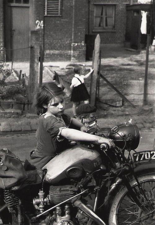 Foto:  1954