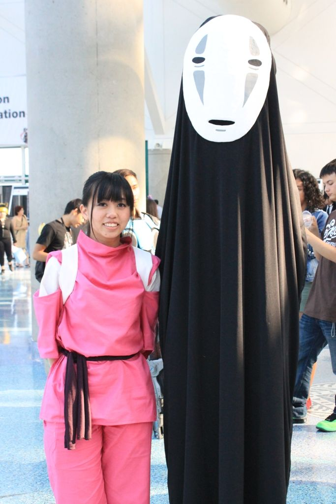 Spirited Away No Face And Chihiro By Reenimochi On Deviantart Spirited Away Cosplay Costumes Cosplay