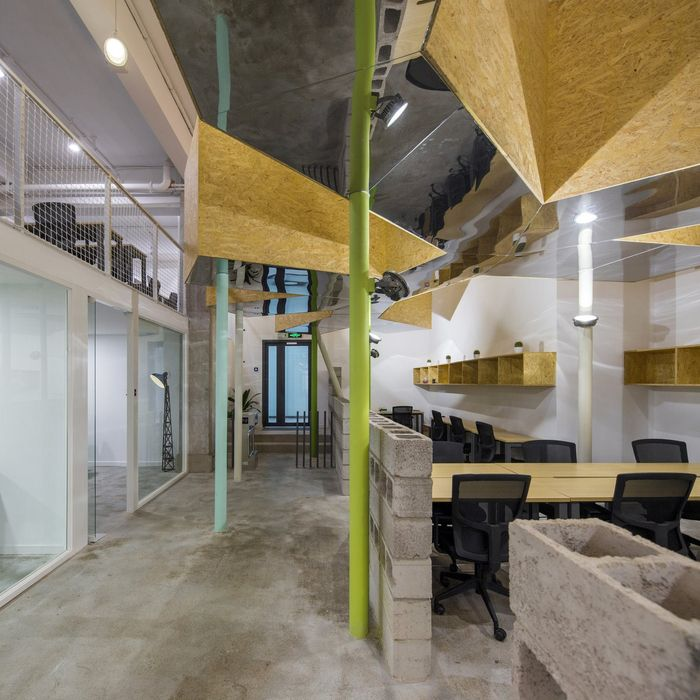 Best Office Tour Simplywork 3 Coworking Offices – Shenzhen 640 x 480