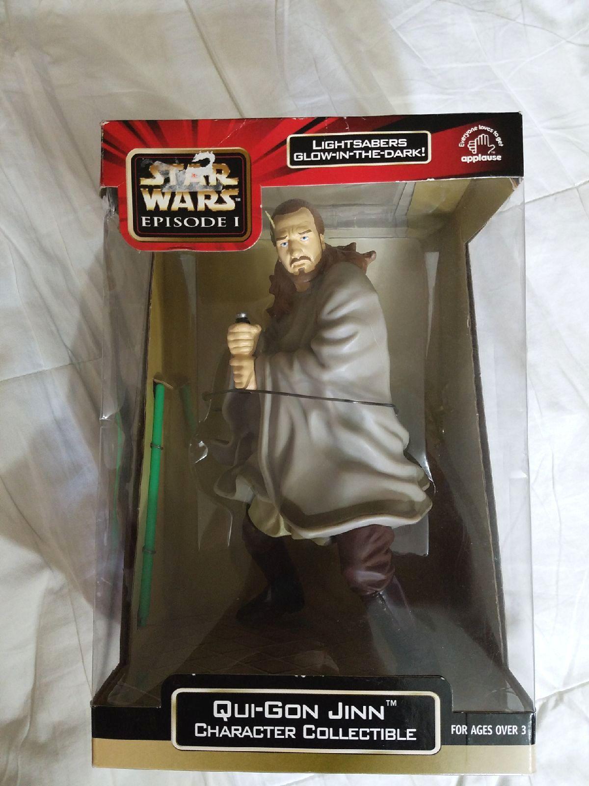 Star Wars Luke Skywalker Black Series Wal-Mart Exclusive slight corner damage