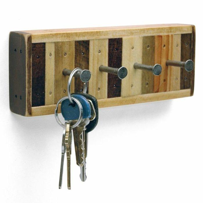 1001 ideas con palets originales y f ciles para tu casa - Porta llaves pared ...