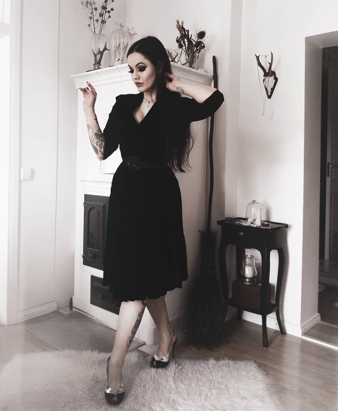 Creeping Around The House In A 50 S Velvet Dress And My Old Faithful Silver Winged Heels Dresses Velvet Dress Nice Dresses [ 1313 x 1080 Pixel ]