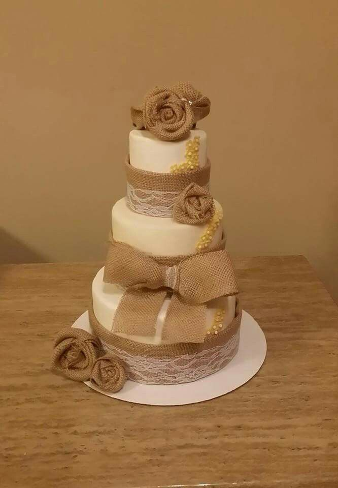 Burlap wedding cake | Burlap wedding cake, Cake, Different