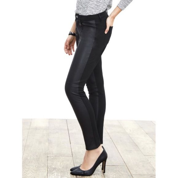 """Banana Republic Sloan Faux-leather Legging Pant Super chic and perfect for work or play! Slim Fit. Faux leather front. Zipper opening. Inseam-  25.5"""". From Banana Republic factory store. Banana Republic Pants Ankle & Cropped"""
