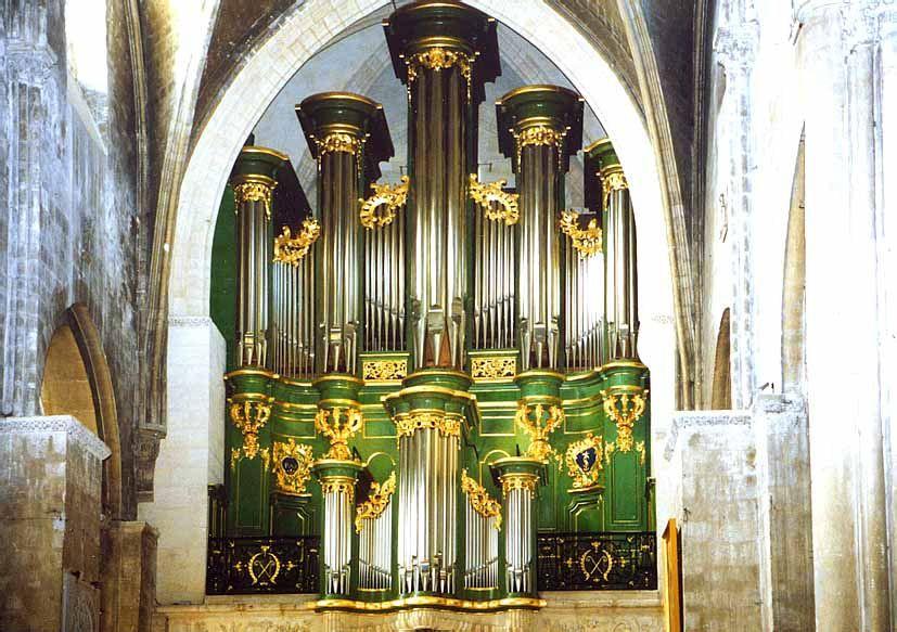 Bordeaux Ste La construction de l'orgue de l'abbatiale Sainte-Croix de Bordeaux fut entreprise entre 1744 et 1746 par DOM BEDOS DE CELLES, moine de l'abbaye. Elle fut terminée autour de 1750.Croix orgue Dom Bedos
