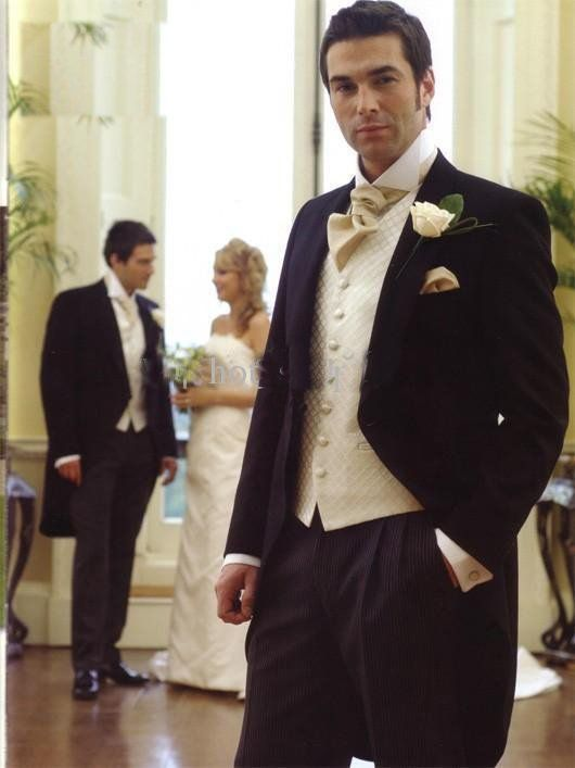 Men\'s Wedding Tuxedos - A Fashion Mainstay | Men\'s grooming, Groom ...
