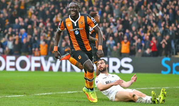 Hull 2 - Swansea 1: Oumar Niasse brace boosts Tigers' survival hopes - https://newsexplored.co.uk/hull-2-swansea-1-oumar-niasse-brace-boosts-tigers-survival-hopes/